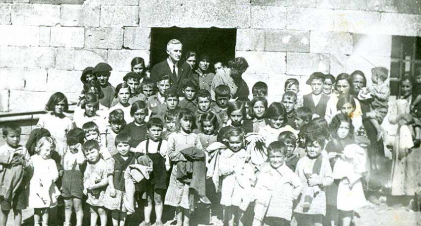 Dan West with children