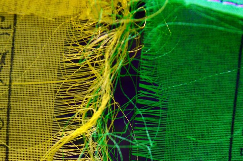 Unraveling fabric